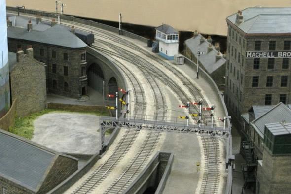 dewsbury signal gantry